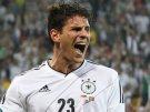 Сборная Германии  вышла в четвертьфинал Евро-2012