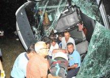 В Турции туристический автобус упал в водохранилище, есть погибшие
