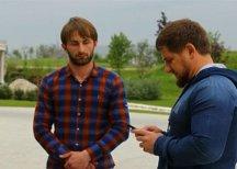Глава Чечни сфотографировался с преступником