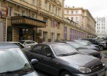 В центре Москвы разрешили парковаться за 100 тыс. рублей в год