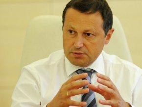Мэр Красноярска передал мандат депутата директору кадетского корпуса