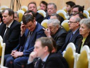 Петербургских чиновников обяжут обнародовать свои расходы в интернете