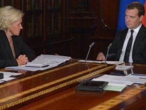 Медведев: срок пересмотра защиты диссертаций будет увеличен до 10 лет