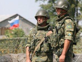 Парламент Таджикистана продлевает пребывание российской базы