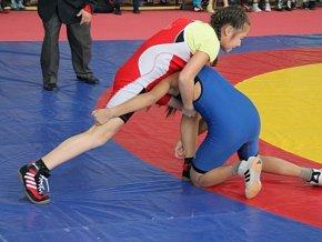 В Иркутске прошел Всероссийский турнир по женской вольной борьбе