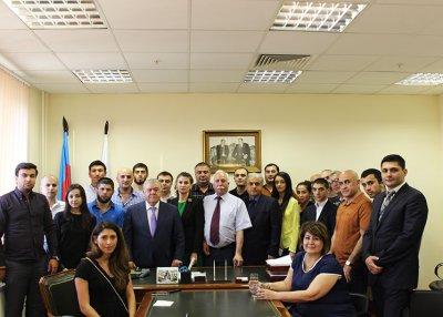 Состоялась встреча главы Совета Старейшин ФНКА АзерРос Аббаса Аббасова с молодежными активистами