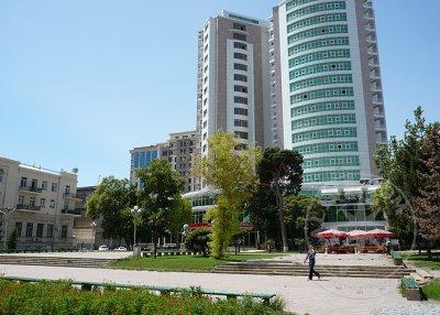 Здания в Азербайджане будут облицованы негорючими материалами